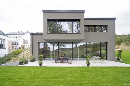 国外住宅设计案例:打造具有优雅氛围的明亮住宅设计