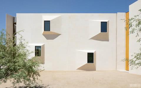 国外住宅设计案例:沙漠住宅,善用空间的光影关系