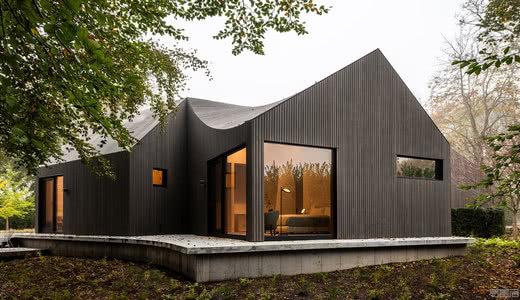 国外住宅设计案例:六方屋解构传统农舍,Six Square House