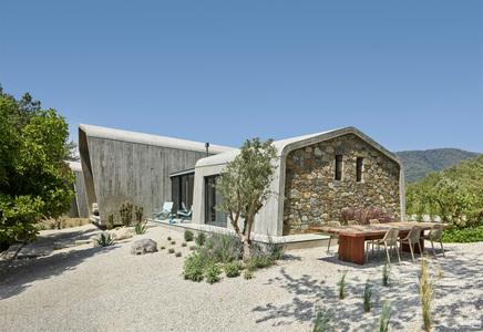 国外住宅设计案例:用混凝土演绎多空间陈列,土耳其U型住宅