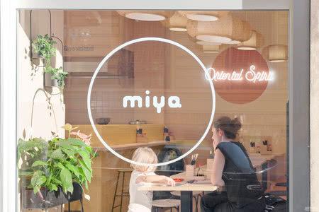 国外餐厅设计案例:小清新的意式休闲餐厅,设计得很有活力~
