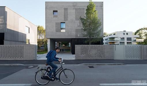 国外住宅设计案例:打造一个双语环境家庭功能住宅