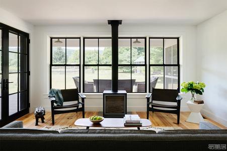 """国外住宅设计案例:破旧农舍重换""""新颜"""",散发着魅力与优雅"""