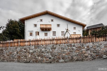 国外住宅设计案例:山隐之下,悠然自得,意大利巴洛克农舍