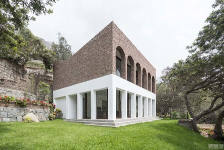 国外住宅设计案例:尊重土地价值,构筑高品质舒适住宅