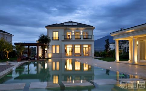 国外别墅设计案例:优雅精致的设计风格,具有美学现代感的空间