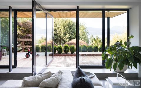 国外住宅设计案例:舒适而具有特色,光线充足的现代住宅