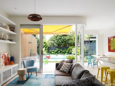 国外住宅设计案例:阳光普照的明亮露台住宅设计