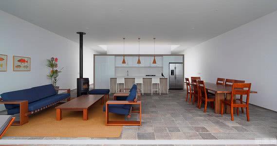 国外住宅设计案例:面朝太平洋的滨海住宅,教科书式的夏日度假屋