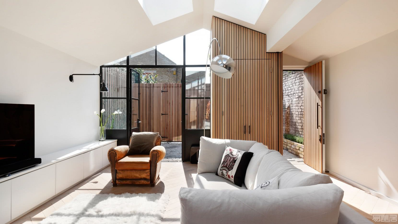 p2_courtyard_house_london_de_rosee_sa_yatzer.jpg