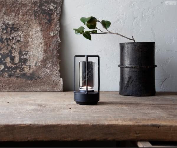 日本灯饰品牌Ambientec营造出蜡烛般的辉光