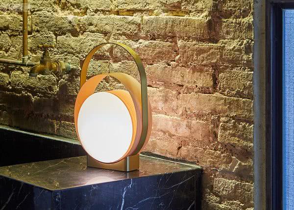 灯饰设计师品牌LZF:充满戏剧性效果的灯饰