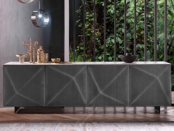 室内装饰的大胆主角,意大利家具品牌RIFLESSI