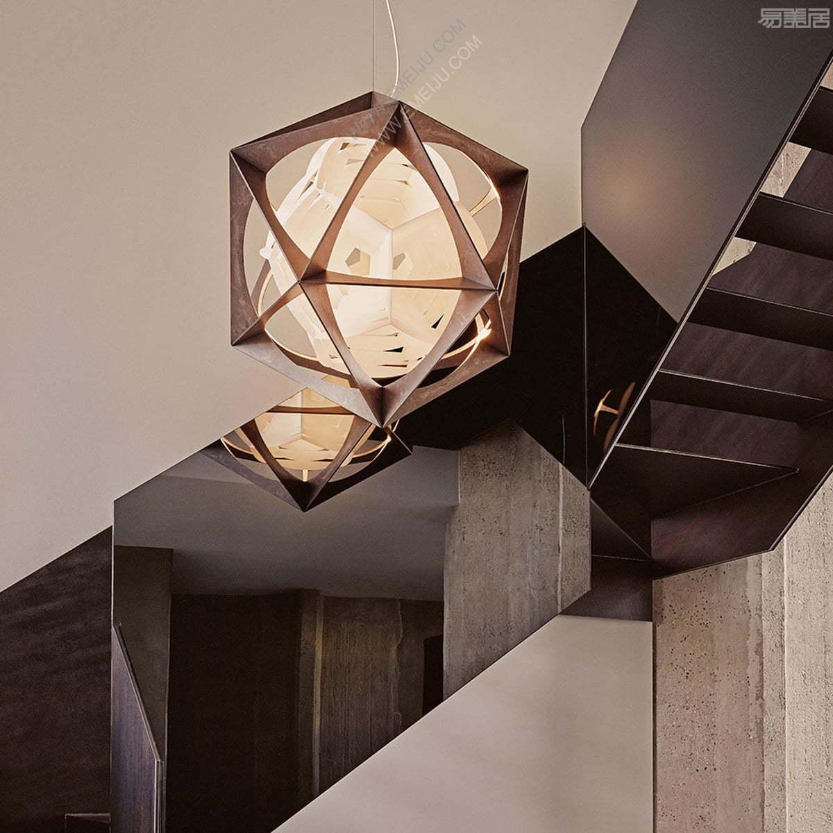 Louis-Poulsen-OE-Quasi-Light-LED-Pendelleuchte-DALI-Aluminium-dunkel-Ambiente.jpg