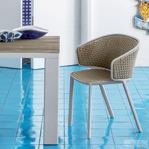 Pluvia系列--餐椅