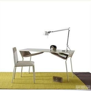 Shari Console--书桌